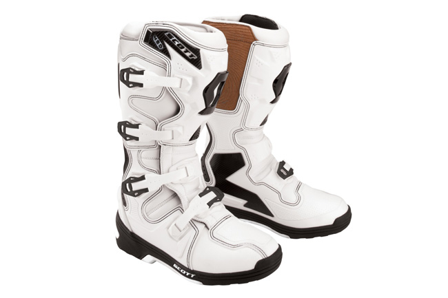 Scott has launched its all-new 450 boot this week at an affordable recomended retail price of $349.95.