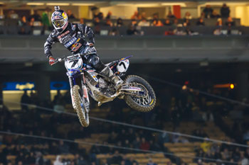 Stewart vows to improve after first podium of 2012 in LA
