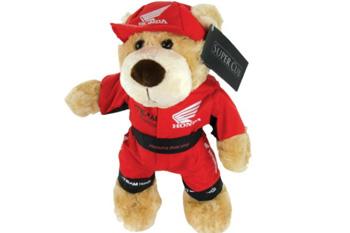Honda donates over 1000 plush bears to Royal Children's Hospital Foundation