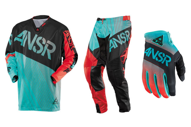 Win Styke replica 2014 ANSR gear with MotoOnline and Serco Yamaha