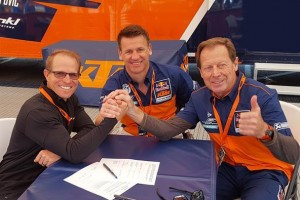 Aldon Baker signs exclusive KTM Group training deal