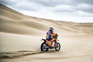 Podium the target for injured Dakar leader Price