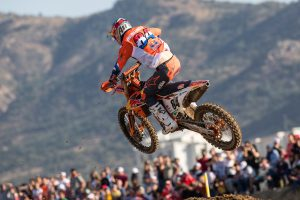 Herlings returns to winners circle at MXGP of Turkey