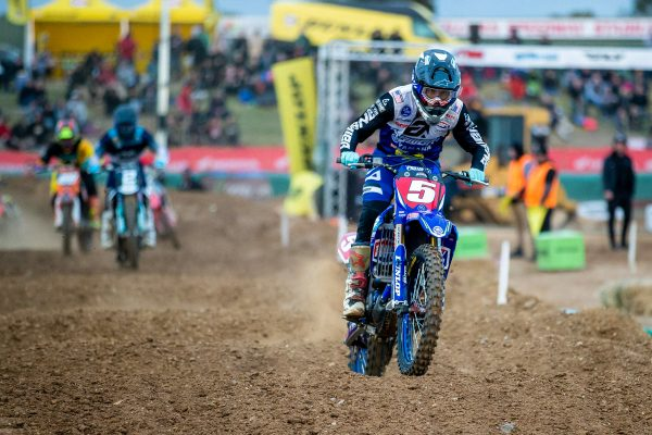 Title hopes in doubt for Hayes after round two concussion