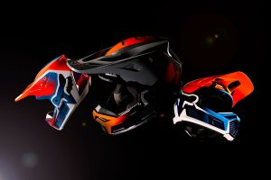 Detailed: 2021 Fox V3 RS helmet