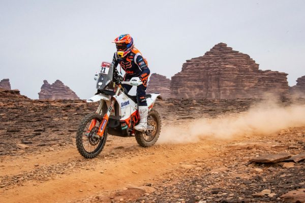 KTM newcomer Sanders seals fourth overall in Dakar debut