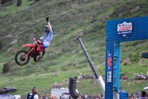 Roczen sweeps both motos in Thunder Valley